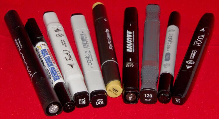 Von rechts: Rotbart Delta, (Gundam), Twin Touch Brush, Copic, stylefile, Molotow Basic Sketcher, Alpha Design, Copic Ciao und Touch Twin