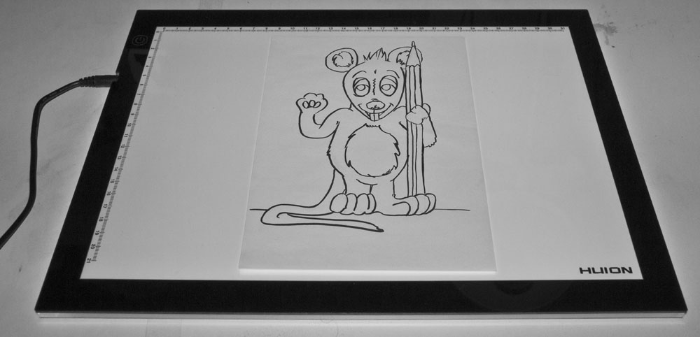 Zeichnen mit Leuchttisch: Vorlage auf Licht Pad