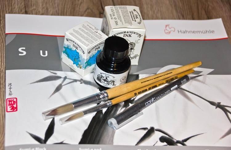 Papier, Tusche, Pinsel und Fineliner