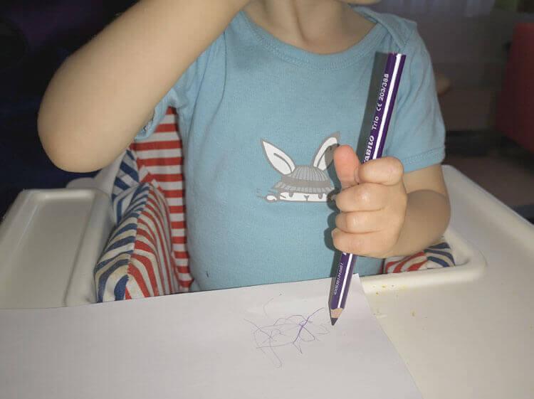 Handschrift verbessern - Sontje malt mit Stabilo Trio Buntstift 2