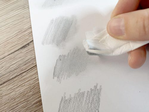 Bleistift mit Papiertuch verwischen