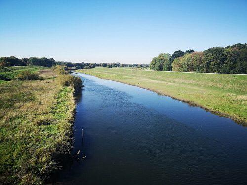 Fluss Fotovorlage: Flusslandschaft Lippedamm 2