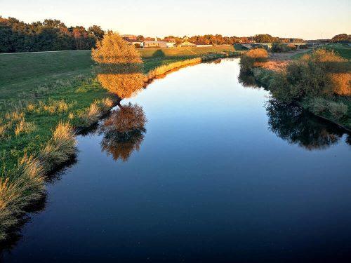 Flusslandschaft mit Sonnenuntergang 2