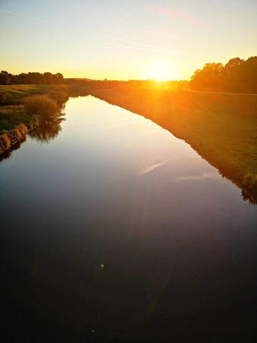 Flusslandschaft mit Sonnenuntergang 5