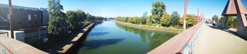 Kanalbrücke im Panorama