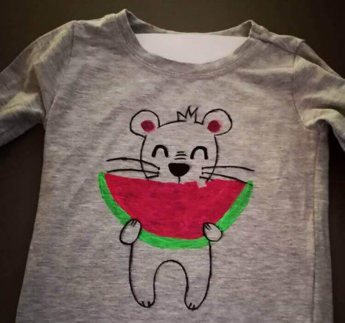 Textilmalerei mit Vorlage im Shirt
