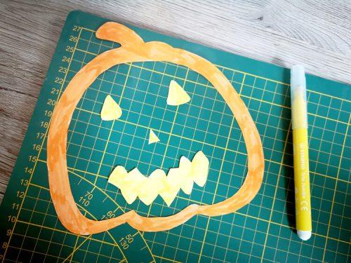 Halloween Mobile basteln Schritt 2